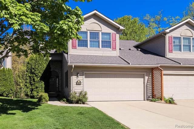 216 Stratford Ln, Lake Orion, MI 48360 (MLS #2210035662) :: The BRAND Real Estate