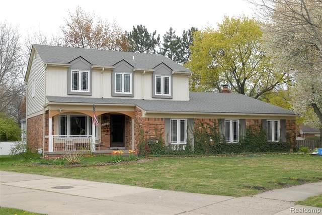 2645 Roxbury Dr Dr, Troy, MI 48084 (MLS #2210035764) :: Kelder Real Estate Group