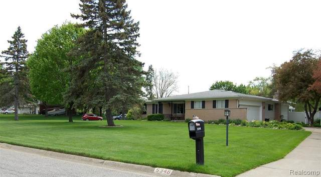 5346 Kimberly Dr, Grand Blanc, MI 48439 (MLS #2210035781) :: The BRAND Real Estate
