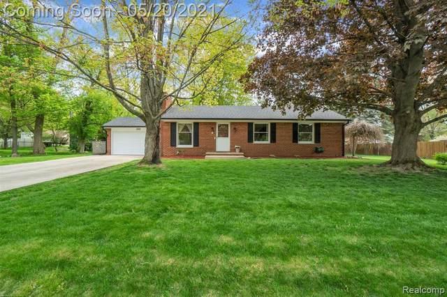 2444 Pfeifle, Howell, MI 48843 (MLS #2210035873) :: The BRAND Real Estate