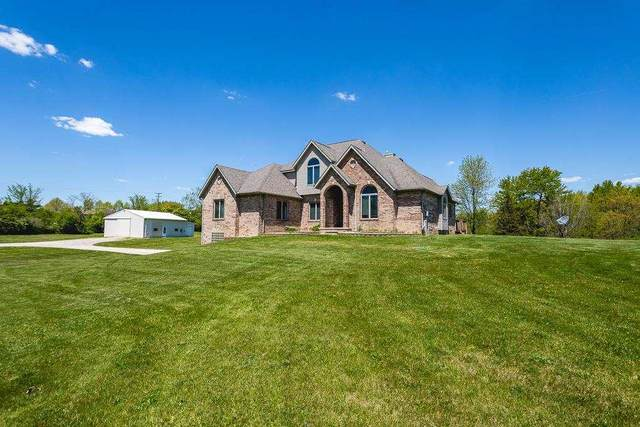 8150 Willow, Clinton, MI 49236 (MLS #202101426) :: The BRAND Real Estate