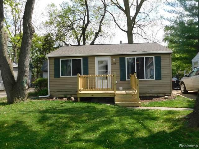 2228 E Scottwood Ave, Burton, MI 48529 (MLS #2210036185) :: The BRAND Real Estate