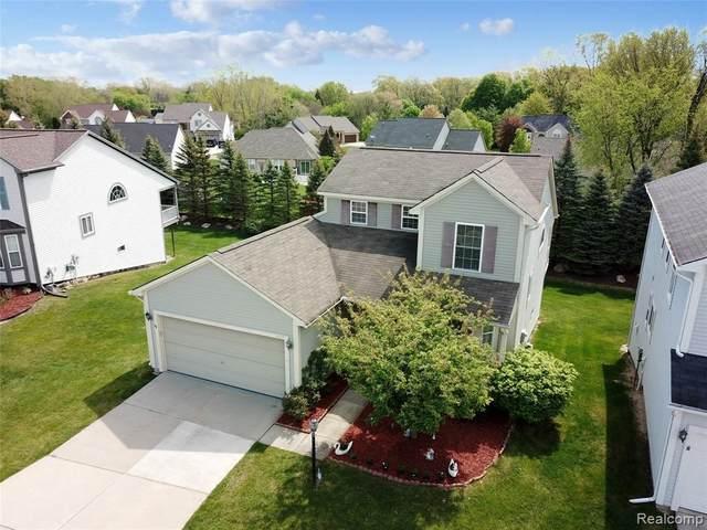 5177 Sandalwood Cir, Grand Blanc, MI 48439 (MLS #2210036024) :: The BRAND Real Estate
