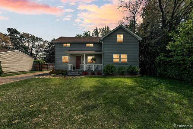 300 Mcfarland St, Grand Blanc, MI 48439 (MLS #2210033457) :: The BRAND Real Estate