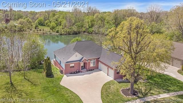 440 Woodland Ponds Dr, Flushing, MI 48433 (MLS #2210035866) :: The BRAND Real Estate