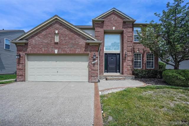 17939 Bayside Dr, Macomb, MI 48042 (MLS #2210036263) :: The BRAND Real Estate