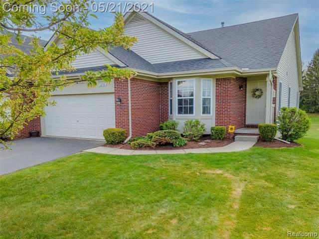 6454 Club Crt E, Grand Blanc, MI 48439 (MLS #2210036493) :: The BRAND Real Estate
