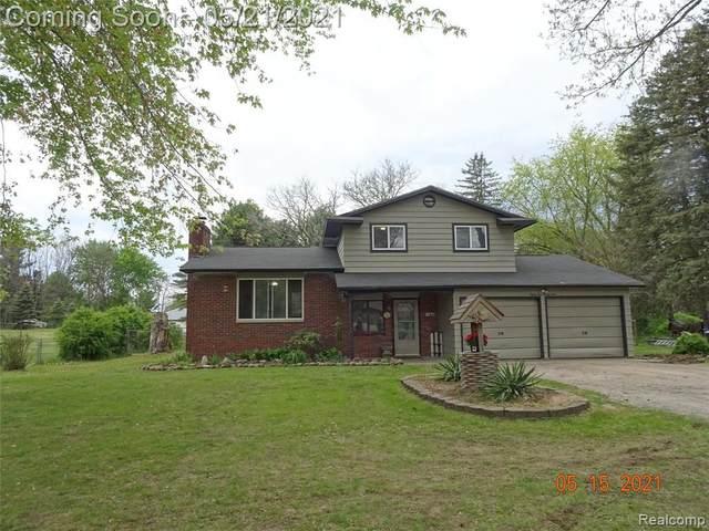 8529 N Mckinley Rd, Flushing, MI 48433 (MLS #2210036494) :: The BRAND Real Estate