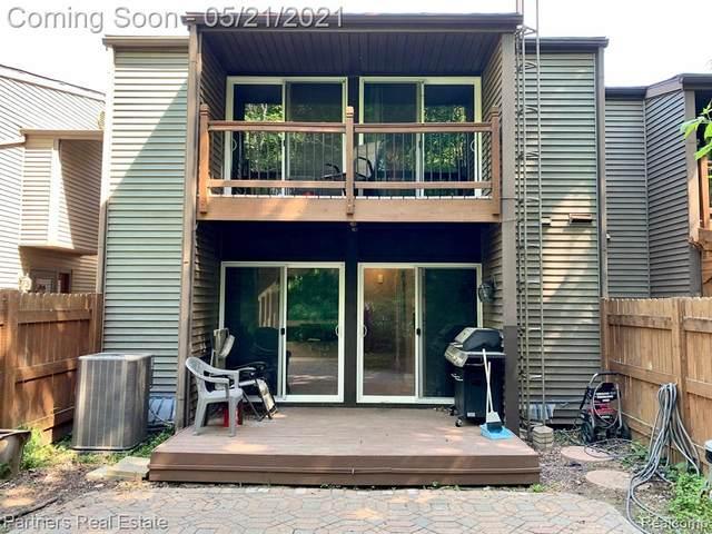 415 W Rockwell St Unit#4-Bldg#1, Fenton, MI 48430 (MLS #2210034153) :: The BRAND Real Estate