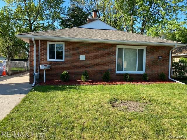 15338 Petrie St, Roseville, MI 48066 (MLS #2210035187) :: The BRAND Real Estate