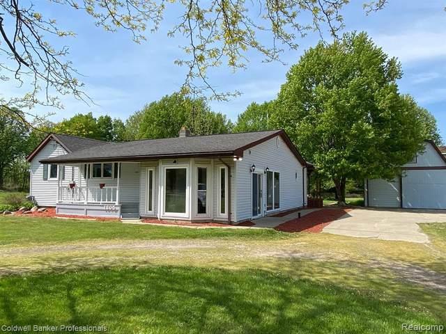 1305 E King St E, Corunna, MI 48817 (MLS #2210036702) :: The BRAND Real Estate