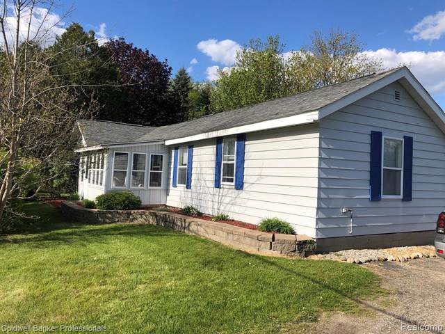 25 S Wilder Rd, Lapeer, MI 48446 (MLS #2210038621) :: The BRAND Real Estate