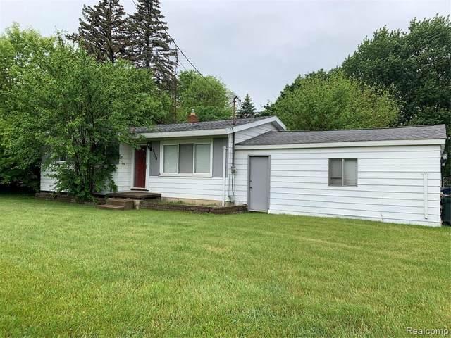 5114 Maple Ave, Swartz Creek, MI 48473 (MLS #2210039444) :: The BRAND Real Estate