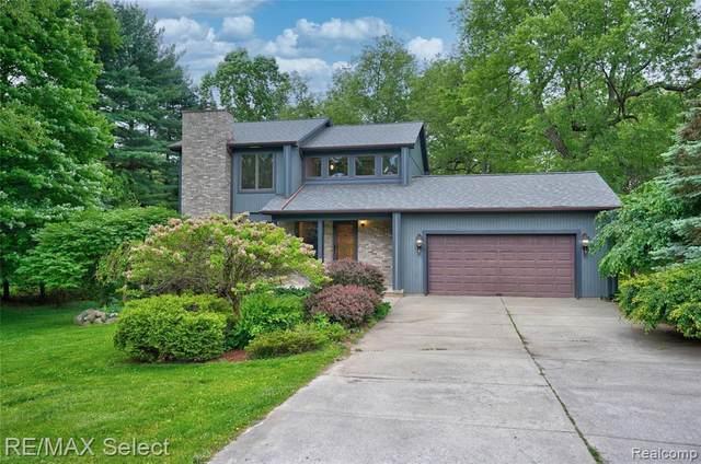 1444 Tanglewood Dr, Lapeer, MI 48446 (MLS #2210038670) :: The BRAND Real Estate