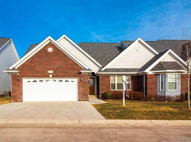 304 Devonshire Dr, Lapeer, MI 48446 (MLS #2210040831) :: Kelder Real Estate Group