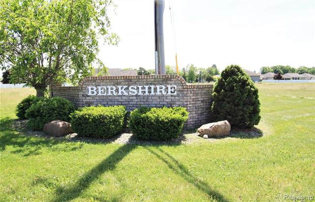 6059 Cousins Dr, Swartz Creek, MI 48473 (MLS #2210041120) :: The BRAND Real Estate