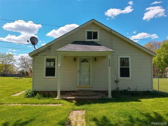 5448 Silverton Dr, Grand Blanc, MI 48439 (MLS #2210035651) :: The BRAND Real Estate