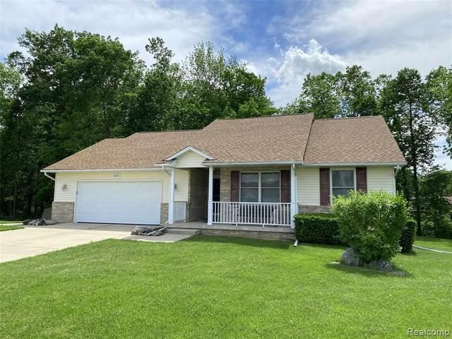 9299 Jill Marie Ln, Swartz Creek, MI 48473 (MLS #2210041323) :: The BRAND Real Estate
