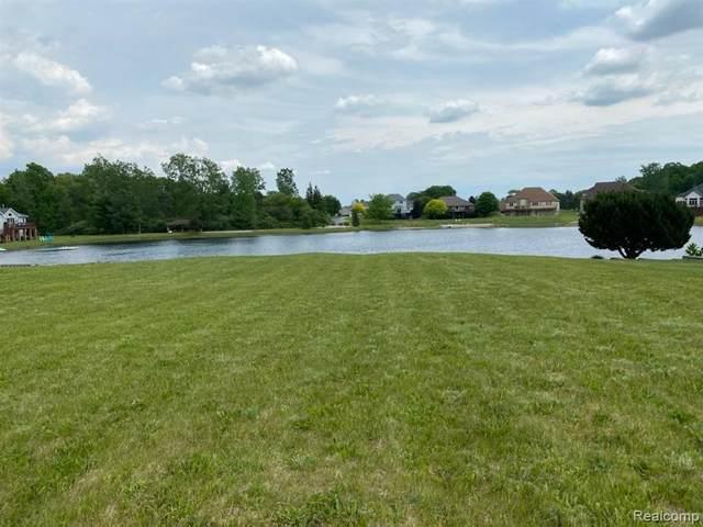 8420 Maurice Ln, Flushing, MI 48433 (MLS #2210042016) :: The BRAND Real Estate