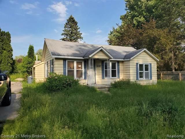 3047 Clarice St, Burton, MI 48529 (MLS #2210043626) :: The BRAND Real Estate