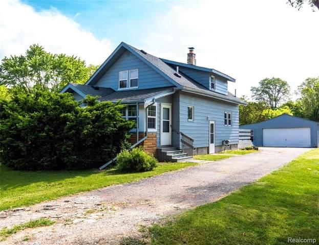 1399 S Genesee Rd, Burton, MI 48509 (MLS #2210043535) :: The BRAND Real Estate