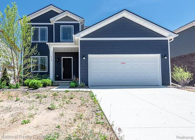 384 Edge Brook Drive, Holly, MI 48442 (MLS #2210044117) :: The BRAND Real Estate