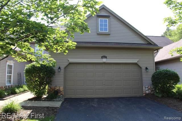4527 Alexander Pines Dr, Clarkston, MI 48346 (MLS #2210044754) :: The BRAND Real Estate