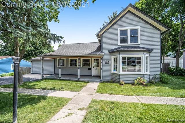 202 N 1ST ST, Holly, MI 48442 (MLS #2210044540) :: The BRAND Real Estate