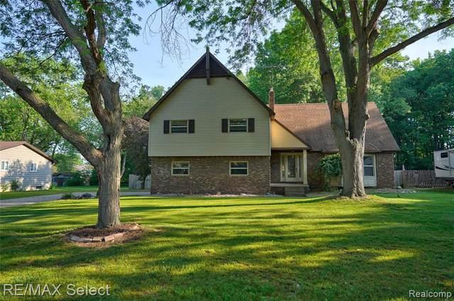 8434 Wesley Dr, Flushing, MI 48433 (MLS #2210044493) :: The BRAND Real Estate