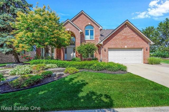 6973 Brunswick Dr, Troy, MI 48085 (MLS #2210044791) :: The BRAND Real Estate