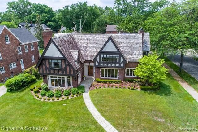 1265 Buckingham Rd, Grosse Pointe Park, MI 48230 (MLS #2210041777) :: Kelder Real Estate Group