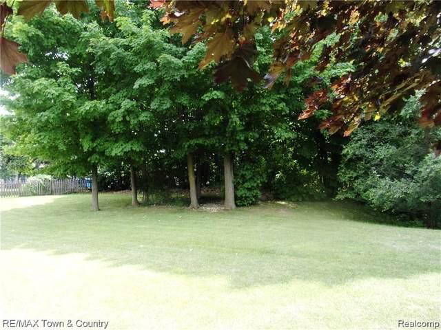 0 Sandalwood Dr, Grand Blanc, MI 48439 (MLS #2210045532) :: Kelder Real Estate Group