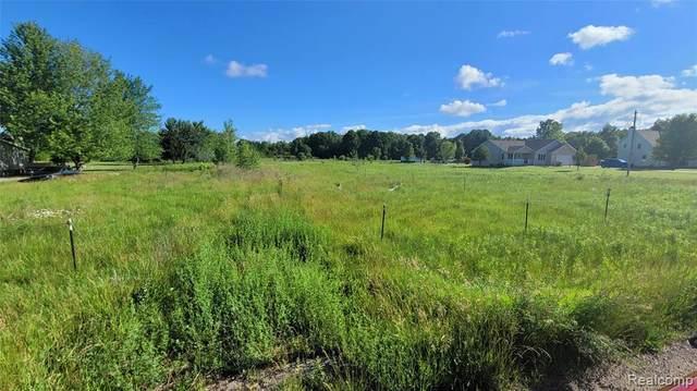 7434 Farrand Rd, Clio, MI 48420 (MLS #2210045669) :: Kelder Real Estate Group