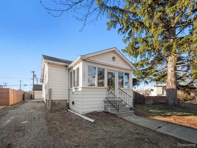 1244 Humphrey Ave, Birmingham, MI 48009 (MLS #2210037889) :: Kelder Real Estate Group