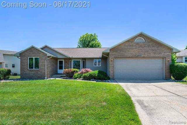 4451 Springbrook Dr Unit#68, Swartz Creek, MI 48473 (MLS #2210043473) :: Kelder Real Estate Group