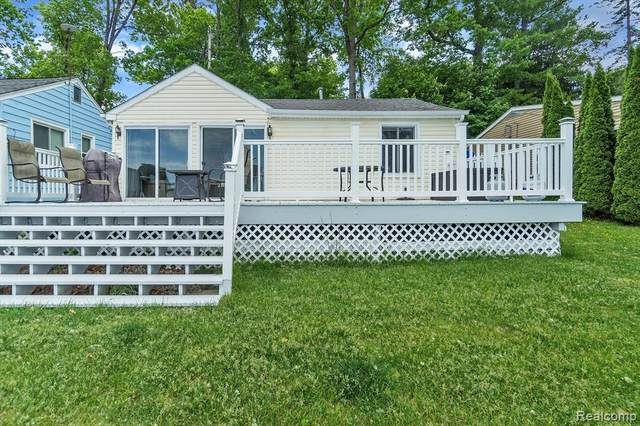 5952 Silver Birch Rd, Ortonville, MI 48462 (MLS #2210046278) :: Kelder Real Estate Group