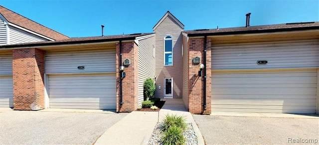 3414 Loon Lake Crt, Waterford, MI 48329 (MLS #2210046444) :: Kelder Real Estate Group
