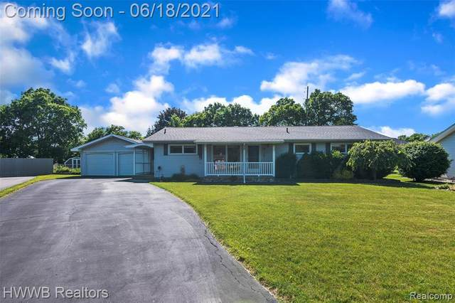 1012 Long St, Fenton, MI 48430 (MLS #2210046582) :: Kelder Real Estate Group