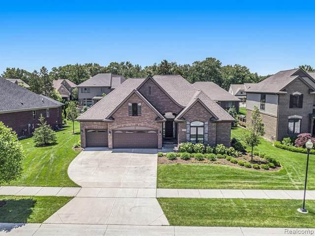 3962 Somerset Cir, Rochester Hills, MI 48309 (MLS #2210045293) :: Kelder Real Estate Group