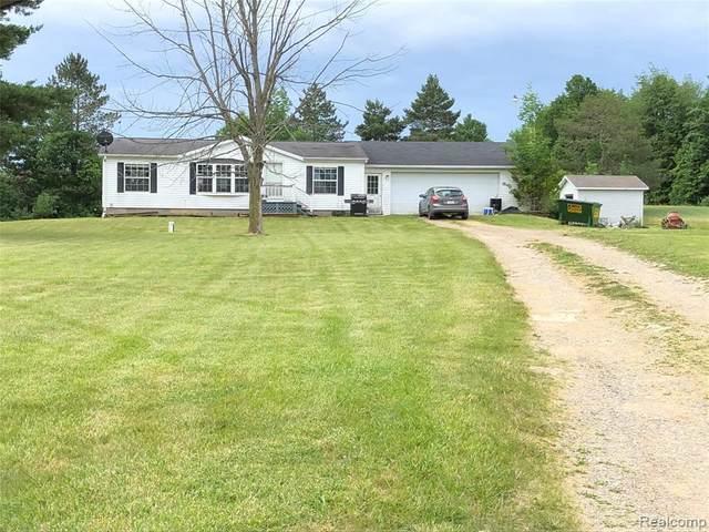 5884 Marlette Rd, Marlette, MI 48453 (MLS #2210048640) :: Kelder Real Estate Group