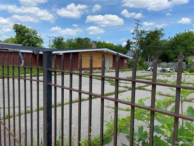15041 E 7 MILE RD RD, Detroit, MI 48205 (MLS #2210048814) :: Kelder Real Estate Group