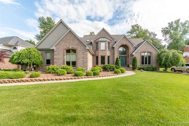 8759 Marquette Dr, Grosse Ile, MI 48138 (MLS #2210049088) :: Kelder Real Estate Group