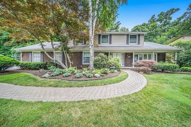 21196 Woodfarm, Northville, MI 48167 (MLS #2210048048) :: Kelder Real Estate Group