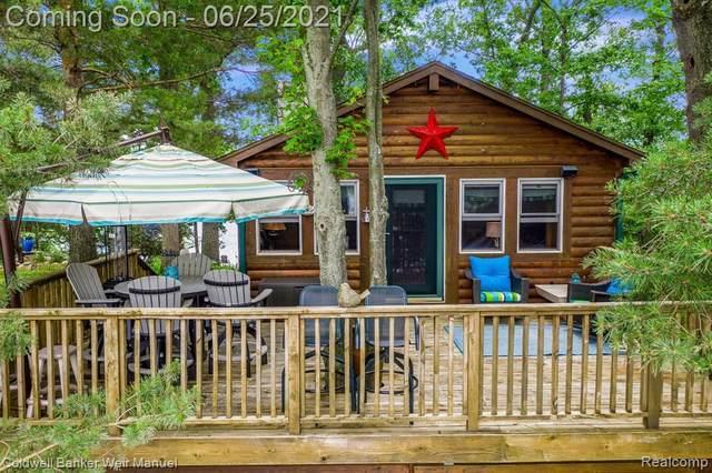 8949 Loughheed Island, Clarkston, MI 48348 (MLS #2210049257) :: Kelder Real Estate Group