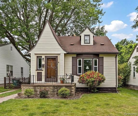 230 Helene Ave, Royal Oak, MI 48067 (MLS #2210050000) :: Kelder Real Estate Group