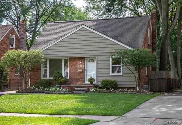 2525 N Connecticut Ave, Royal Oak, MI 48073 (MLS #2210051868) :: Kelder Real Estate Group