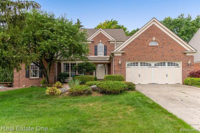 1173 Sandy Ridge Dr, Rochester Hills, MI 48306 (MLS #2210051197) :: Kelder Real Estate Group