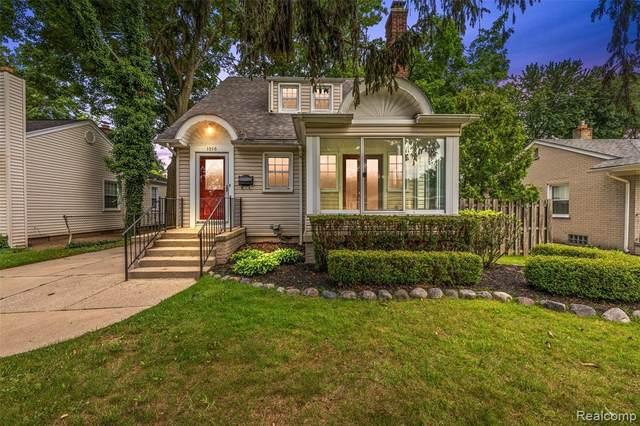 1016 Greenleaf Dr, Royal Oak, MI 48067 (MLS #2210049478) :: Kelder Real Estate Group