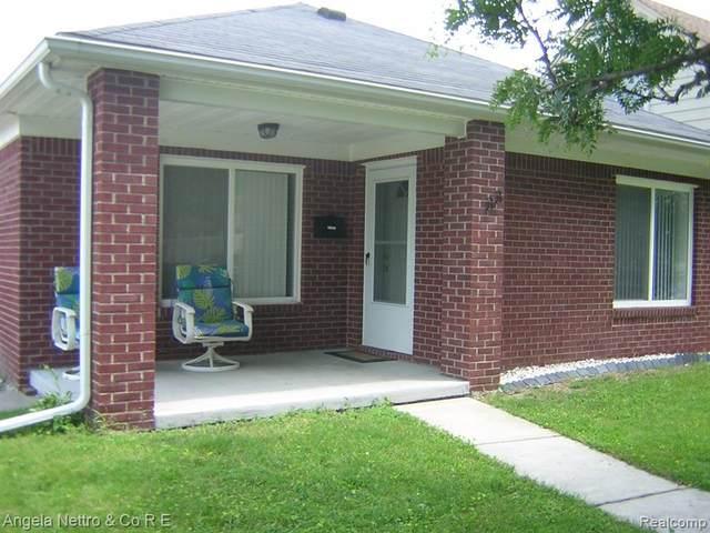 33 Detroit St, Trenton, MI 48183 (MLS #2210052312) :: Kelder Real Estate Group