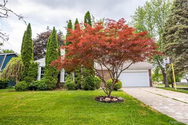 714 Barclay Dr, Troy, MI 48085 (MLS #2210049208) :: Kelder Real Estate Group
